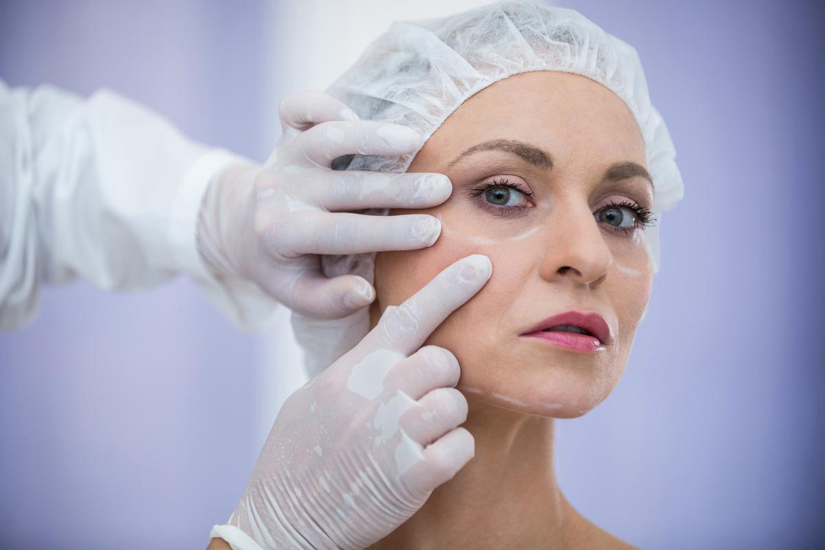 arcfiatalító kezeléseink